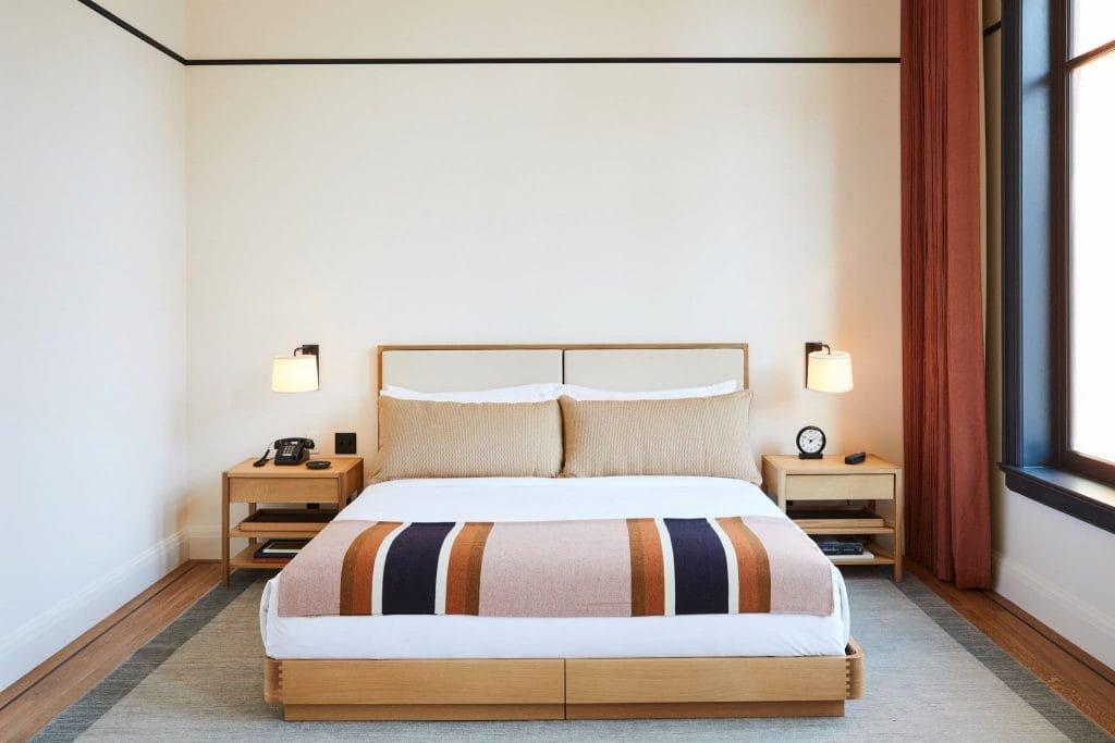 hotel or hostel 3